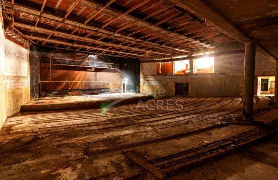 4001 | Antigo cinema e sala de espectáculos, no centro de Caldas da Rainha