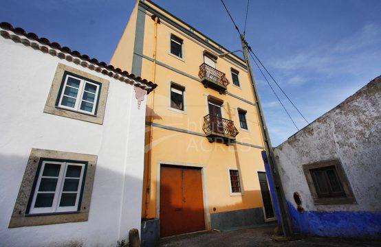 1001 | 8 bedrooms house, in the historical village of Columbeira