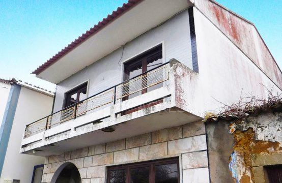 1005 | Moradia T3+1 na aldeia histórica do Carvalhal