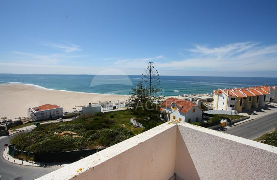 2001   3 bedroom apartment, upon Lagoa de Óbidos and Foz do Arelho beach