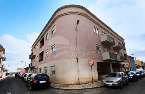 2006 | 2 bedroom apartment with attic, Arneiros, Caldas da Rainha