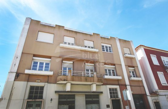 2009 | 7 bedrooms duplex apartment, charming, center of Caldas da Rainha