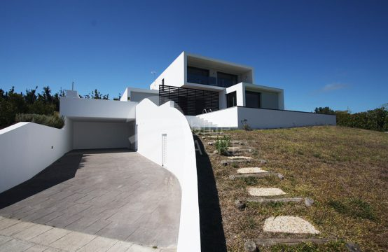 1031 | 4 bedrooms villa, as new, pool, garage and garden, in Dagorda, Cadaval