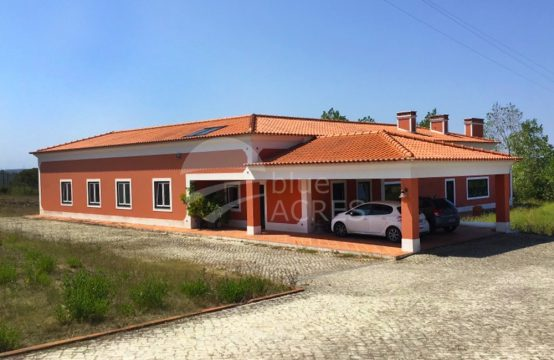 1041 | House T3 and annex T1, in village between Óbidos and Caldas da Rainha