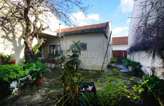 1048 | 3 bedrooms house, with annex, to remodel, center of Bombarral