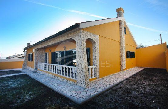 1050 | Moradia T3+1, totalmente remodelada, Quinta do Negrelho