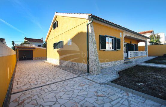 1050 | House T3 + 1, completely renewed, between Caldas da Rainha and Óbidos Lagoon