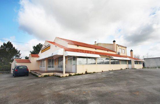 4004 | Restaurante, com alojamento, armazém independente e terreno