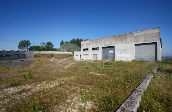 0005 | Pavilion, with offices and annex T1 for rent, Gracieira, Óbidos