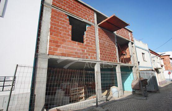 1090 | Moradia T2 em fase de acabamentos, 50m do Forte de Peniche