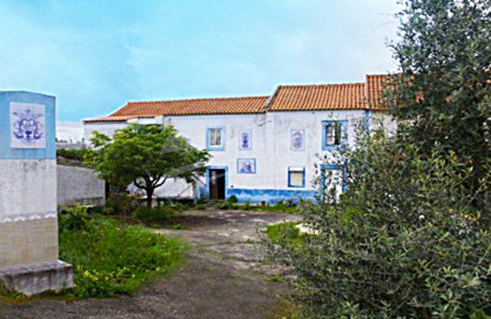 1094 | Propriedade centenária, para recuperar, aldeia da Quinta Nova, Óbidos