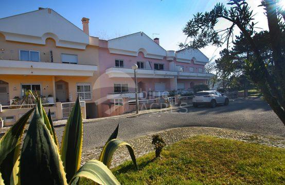 1098 | House T3 + 1, with terrace, balconies and garage, Caldas da Rainha