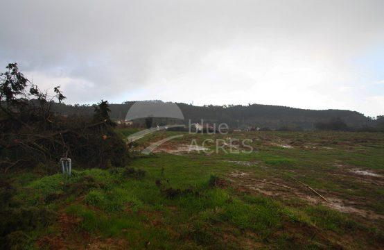 3016 | Terreno rústico parcialmente urbanizável, na aldeia de São Mamede