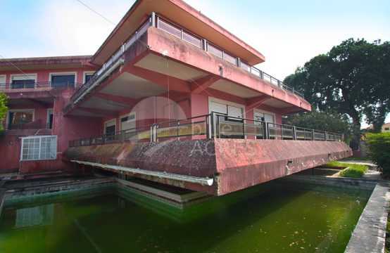 1107 | Large 8 bedrooms villa, near to the city center, Quinta da Boneca