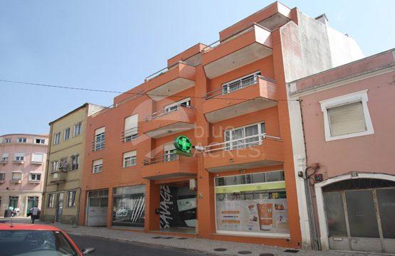 2038 | Apartamento T3, garagem fechada, centro da cidade, Caldas da Rainha